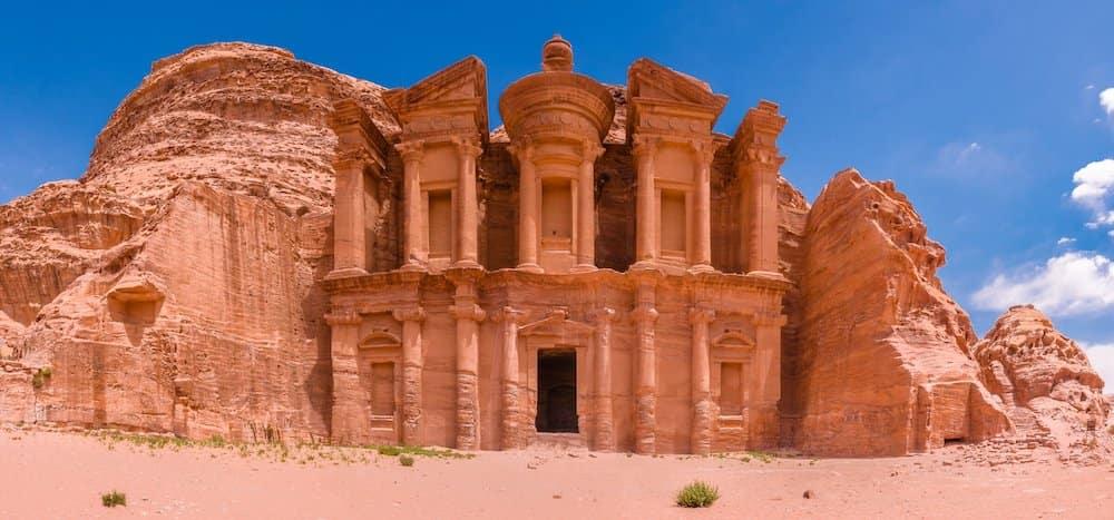 petra jordanie edom esau bible genese